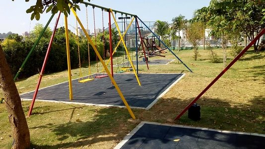 Piso de borracha p/ playground (Preto) M² 15mm